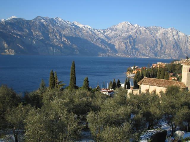 Attico con vista panoramica al lago - Malcesine - Lägenhet