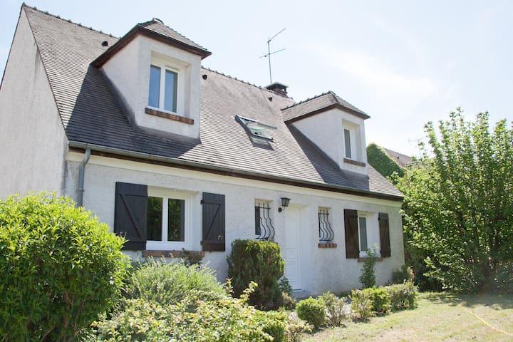 Maison entre Paris et Disney - Villecresnes - Huis