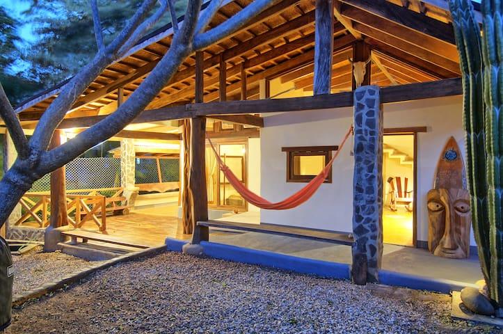 Casa Mambo  - Tamarindo Surf House - Tamarindo - Rumah