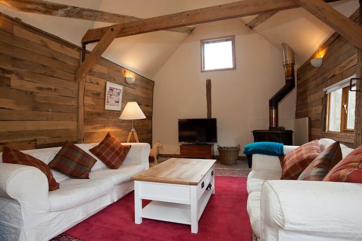 Beautiful Little Barn - Ardingly