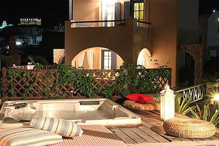 Villa Athena Private Jacuzzi  - Akrotiri - Villa