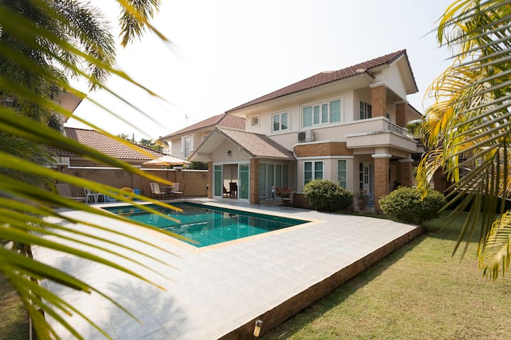 Luxury Villa=Free Car & Driver+Maid & Private Pool - Chiang Mai - Huis