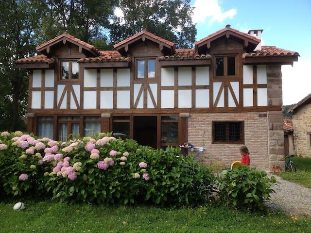 Casuca Bustamante - Santa Cruz de Iguña - Huis