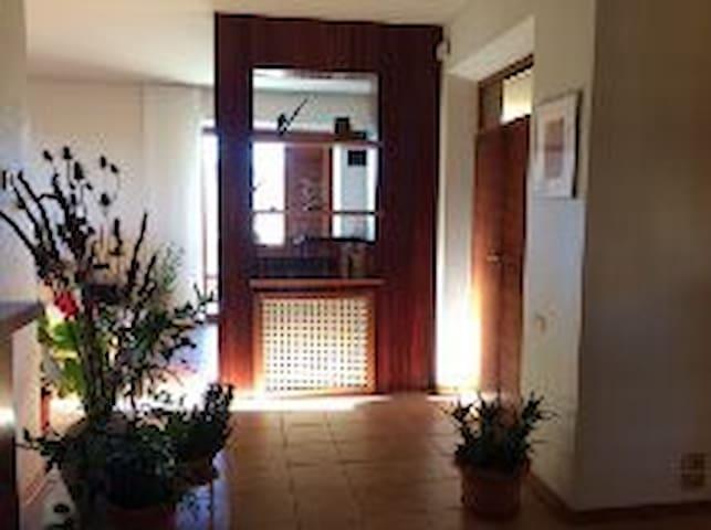 Grande appartamento per 8/9 persone - Loro Piceno - Leilighet