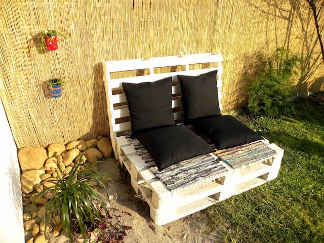 Cozy house chill out garden & BBQ - La Cueva - Appartement