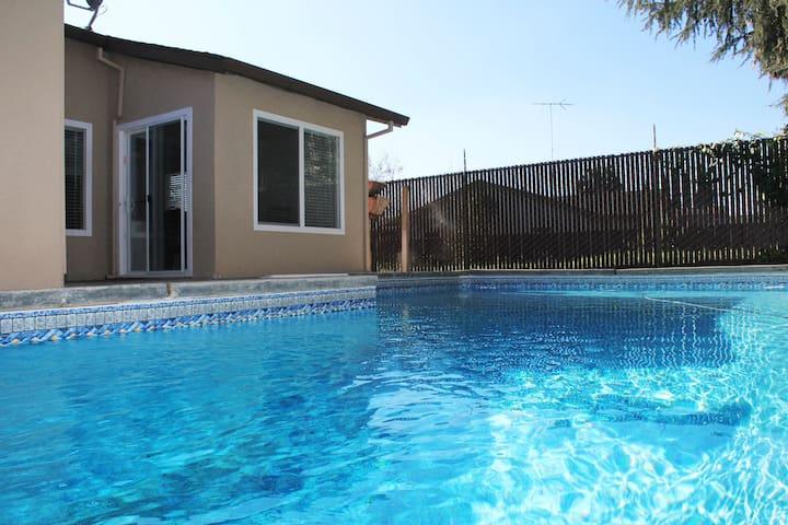 Feel@Home+Pool near Downtown (X) - Sacramento - Huis