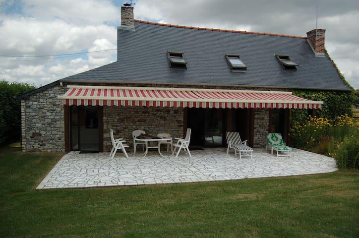 Adorable cottage en pleine nature - Moulins - Ház