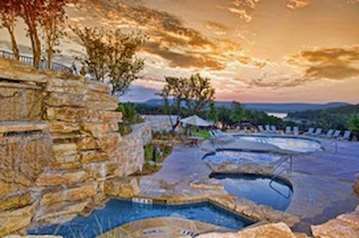 Breathtaking View Lake Travis Villa - Jonestown - Villa