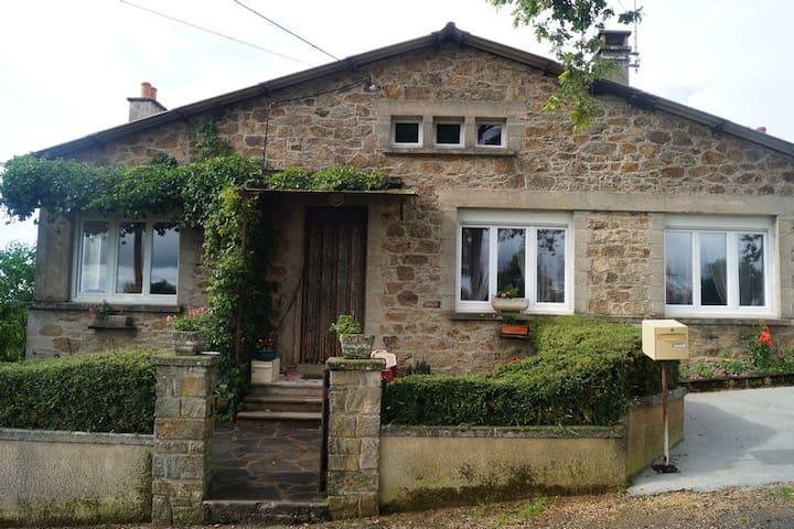 Charmante Maison dans l'Aveyron  - Auriac-Lagast - Casa