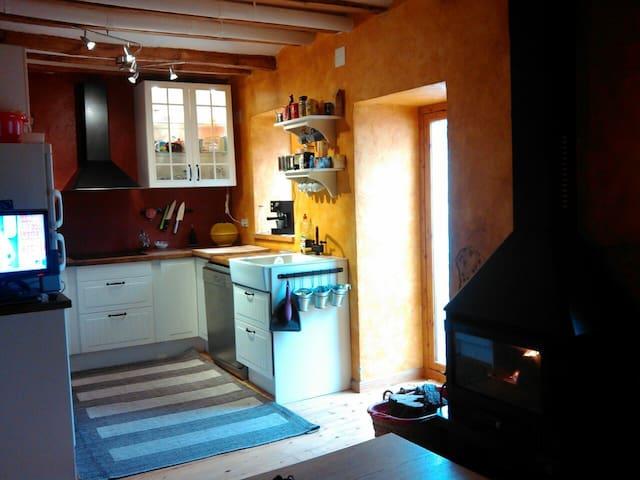 Home in Margalef, Climbing Paradise - Margalef - Huis