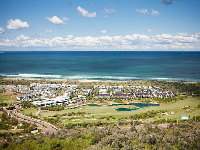 Central Coast beach and golf resort - Magenta
