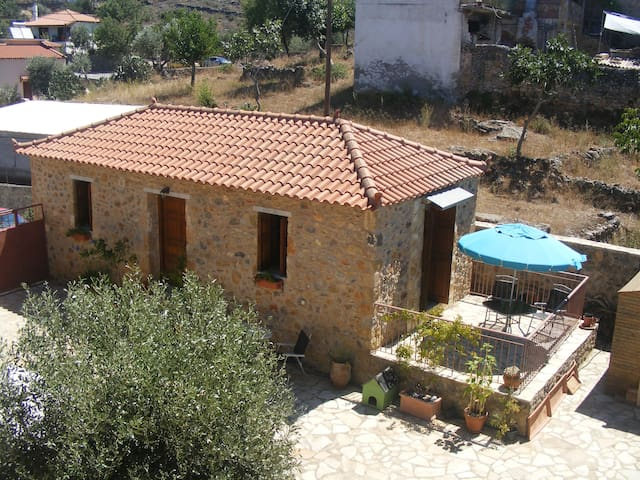 Myrtia Cottage - Megali Mantineia