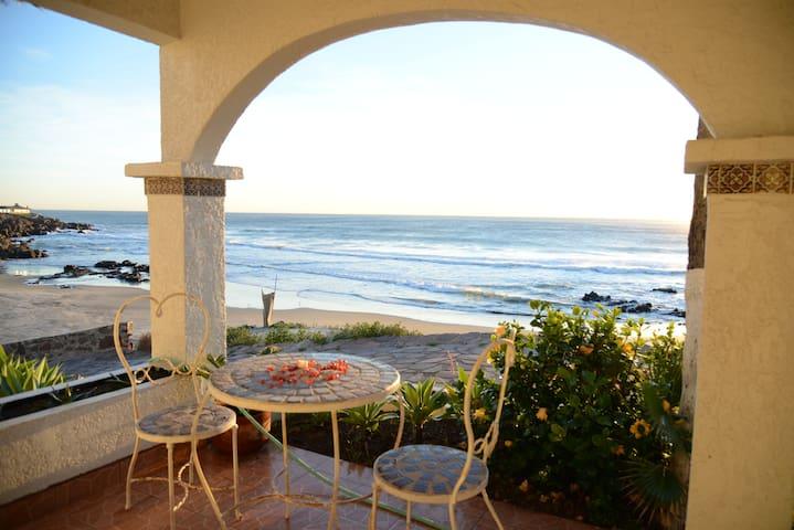 Amazing Ocean Front House- Rosarito - Rosarito Beach - Rumah