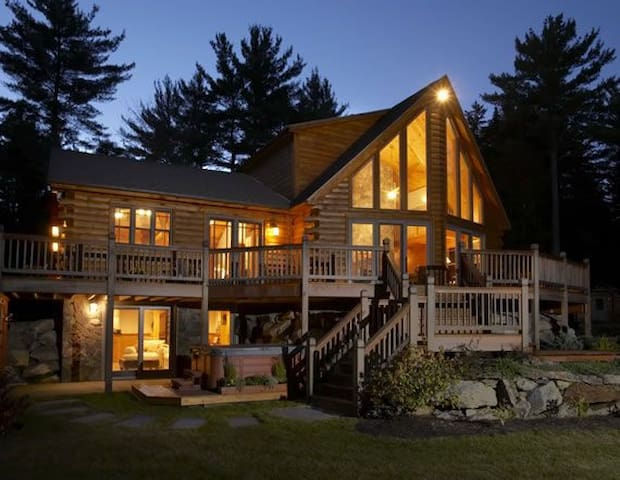 Mother Moose Luxury Log Cabin - Danbury - Casa