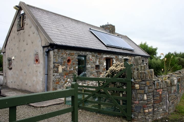 Brennan's Old House, Loop Head - Lower Feeard, Cross - Stuga
