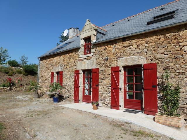 Longère rénovée  en bord de Vilaine - Béganne - Hus