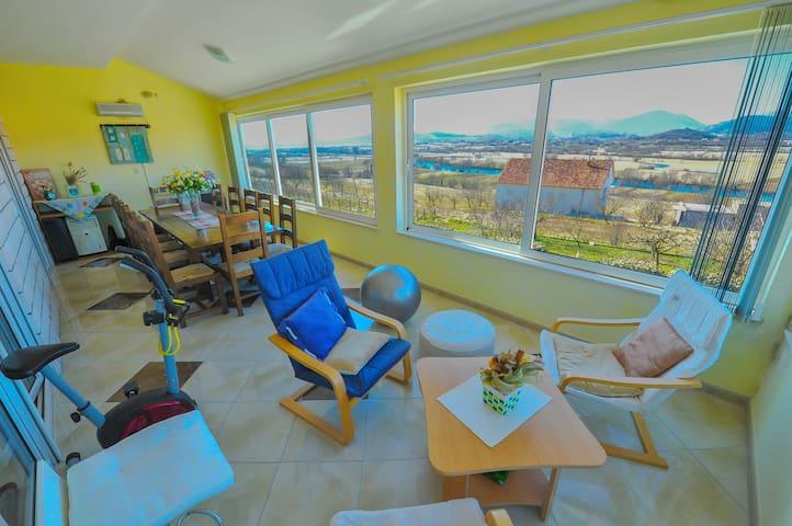Amazing apartment with amazing view - Bajagić - Apartamento