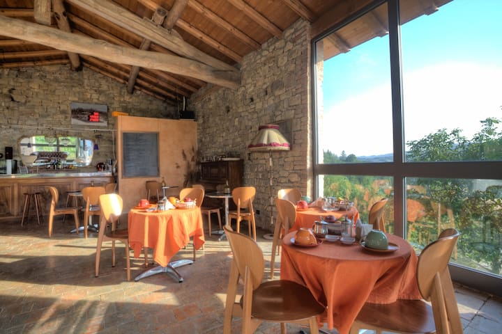Farm House, B&b, Restaurant in the Mountain.Emilia - Pellegrino Parmense - 飯店式公寓