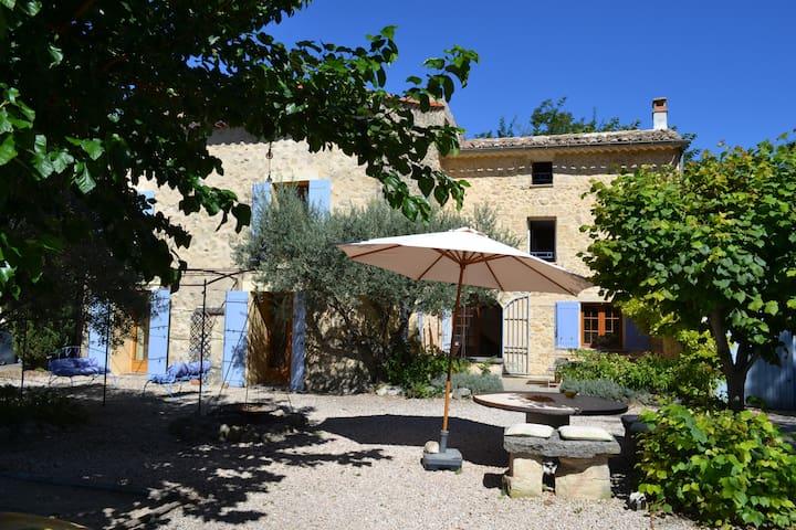 Beautiful Provence house - Mazan - Bed & Breakfast