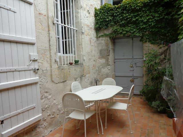 maison de charme dans village  - Puymirol - Huis