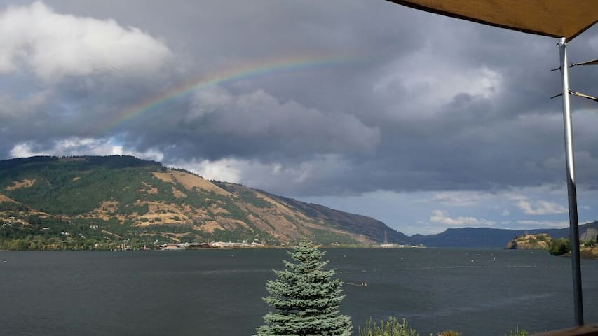 Gorgeous River View Downtown!!! - Hood River - Appartement