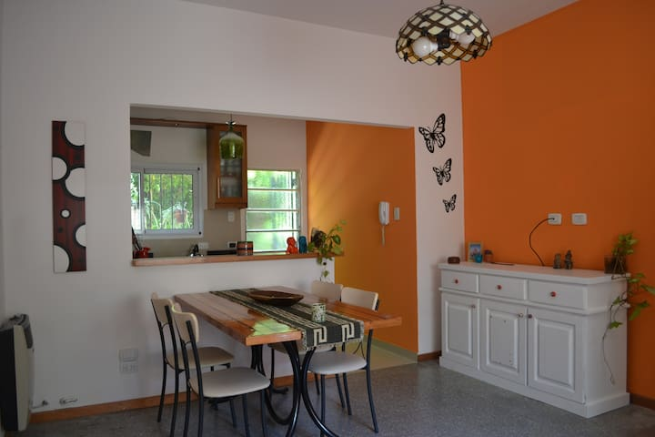 Excellent house 2 bedrooms & yard - Buenos Aires - Casa