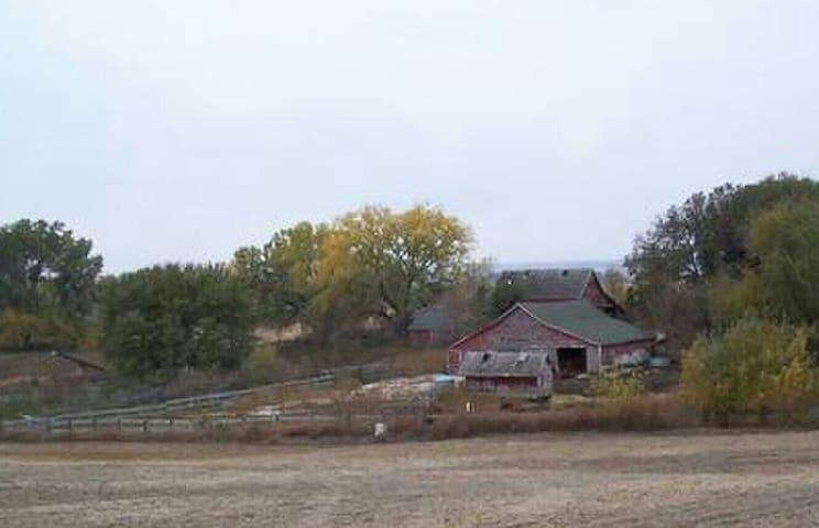 Farmhouse 30min to Omaha downtown - Logan