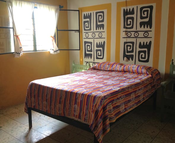 Charming 1BR Apt with Mexican Flair - San Blas - Apartamento