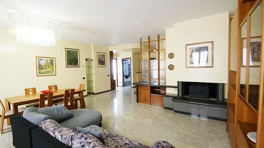 CONFORTABLE FLAT FOR BUSINESS MILAN - Seregno