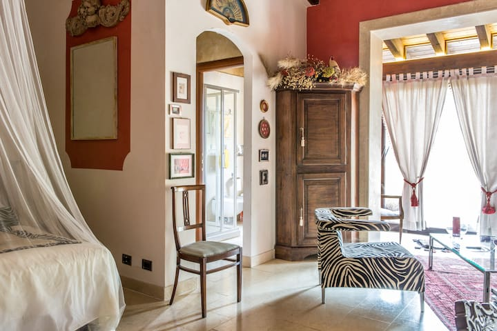 Rozensuite secluded near Lake Garda - - Volta Mantovana - Daire