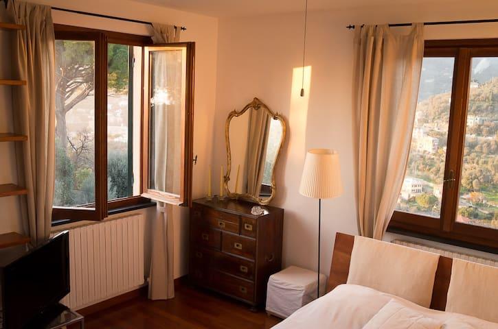 Charming room in villa with pool  - Recco - Villa