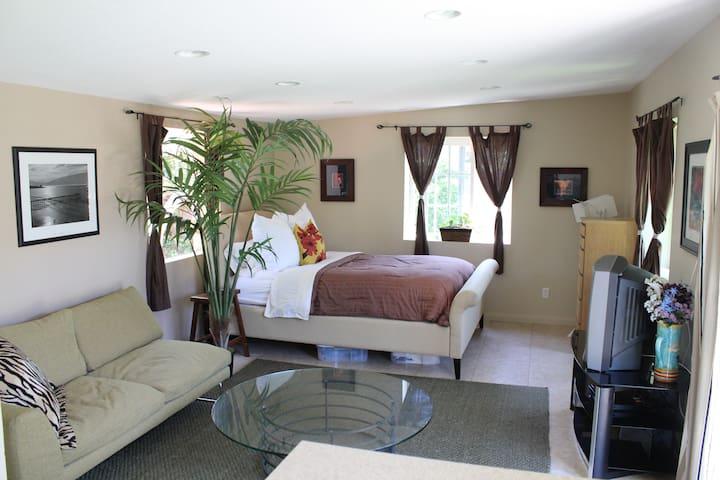 Casita/Apartment in Costa Mesa - Costa Mesa - Departamento
