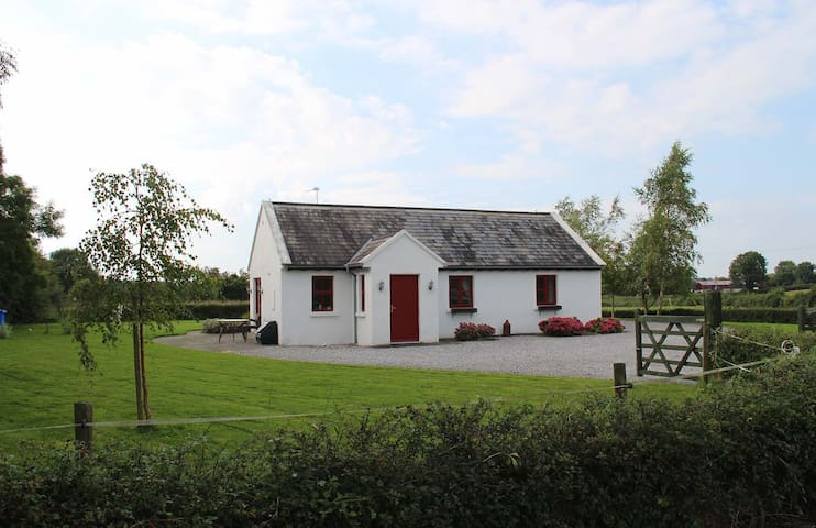 Fuchsia Lane Farm Lodge Cottage - North Tipperary - Huis