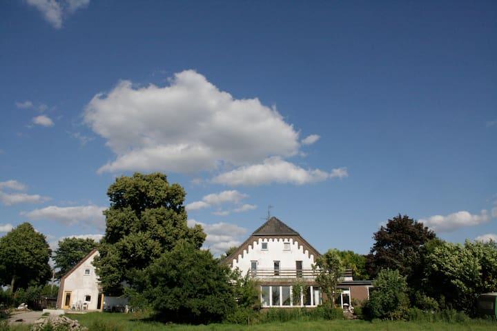 B&B Ecological Community Vlierhof - Kleve