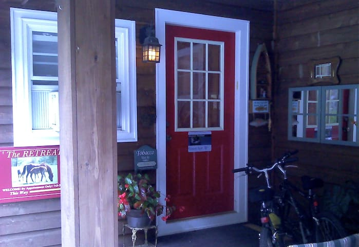 A RETREAT Cedar Villa, WiFi & View - Glenville - Villa