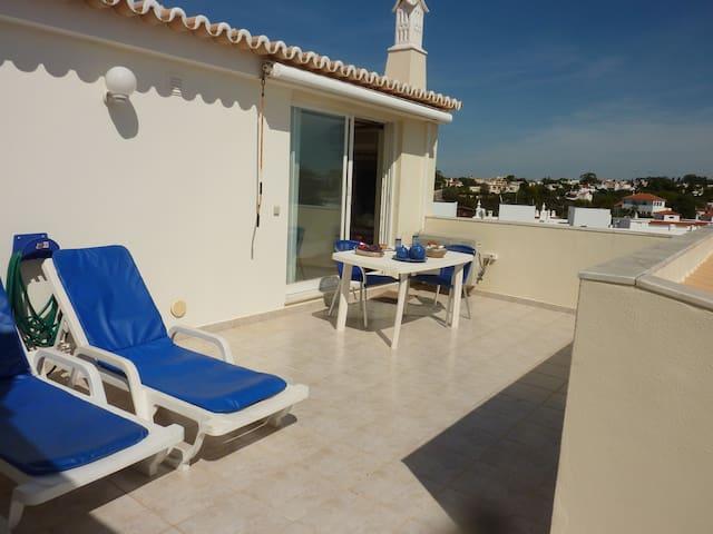 Studio Vilas do Mar T0 with seaview and pool(WIFI) - Карвоэйро - Дом