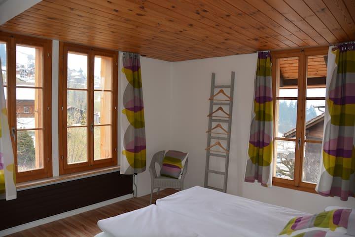 Ula's Holiday Apartments - 2 BR - Beatenberg - Leilighet