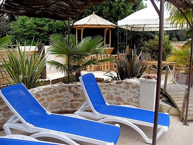 Gite 6 per piscine avec abri retrac - Meursac - Casa