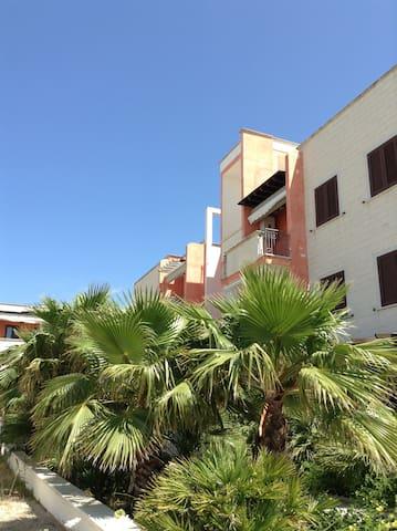 Bilocale con vista mare laterale - Gallipoli, Baia Verde - Departamento
