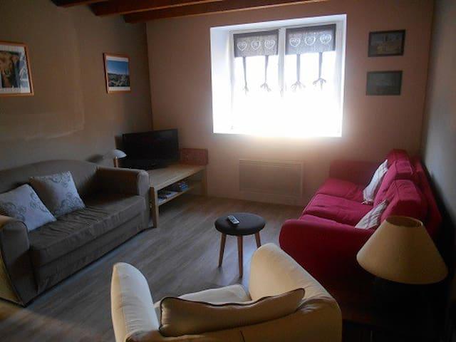 Maison de village   - Prunières - Haus