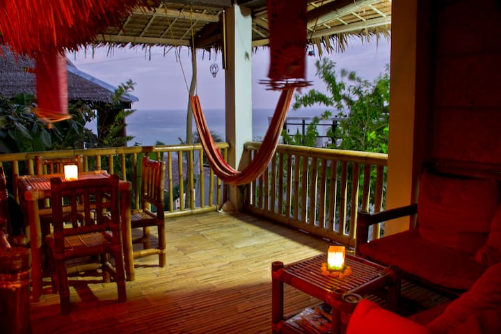 Beautiful Sunrises & nice seaview in Private villa - Malay