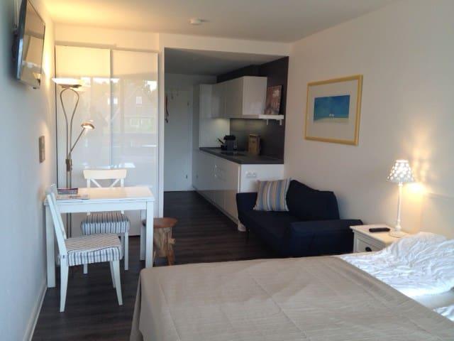 Luxus Studio mit Balkon und Garage in Bestlage SPO - Sankt Peter-Ording - Lägenhet