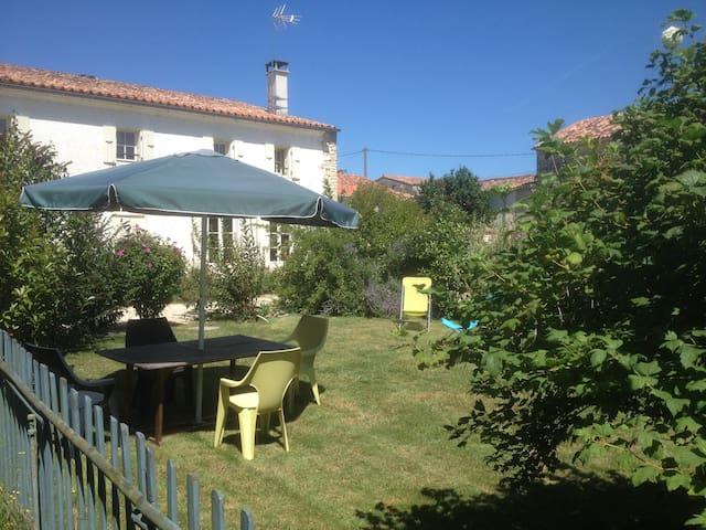 Gite le Querreu - Gourvillette - Rumah