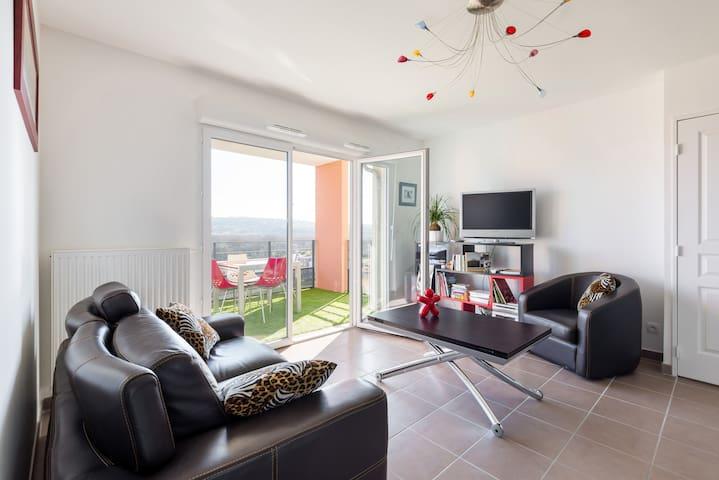 appartement lumineux avec belle vue - L'Isle-d'Abeau - Appartement