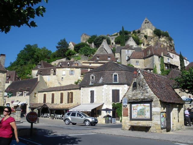 Sous le chateau de Beynac - Beynac et cazenac - Departamento