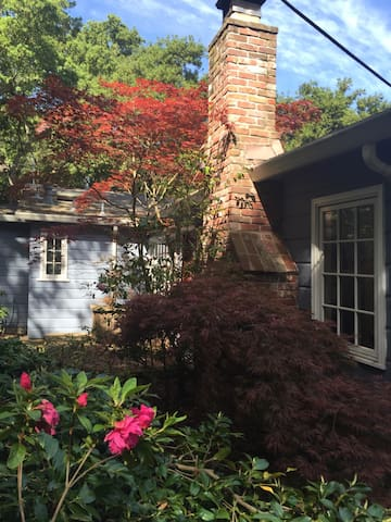 Charming Cottage in Quiet Setting - Orinda - Hus