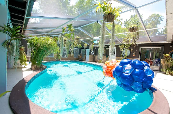 Guest house in authentic Log Cabin - Biscayne Park - Appartement en résidence