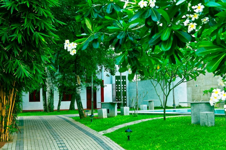 Luxury Appartments & Villas - Kiribathgoda