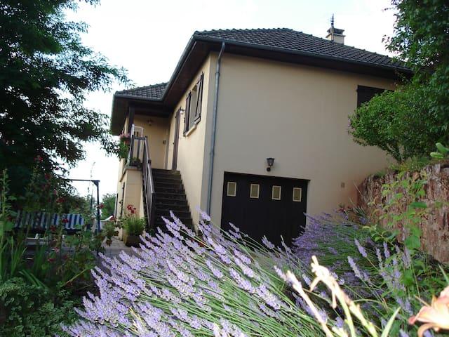 Maison de vacances - Saint-Christophe-Vallon - Casa