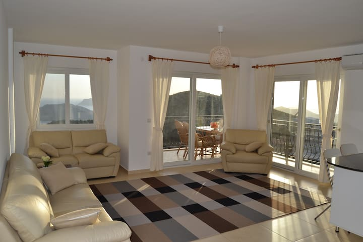Beige apartment with great sea view - Kaş - Apartment